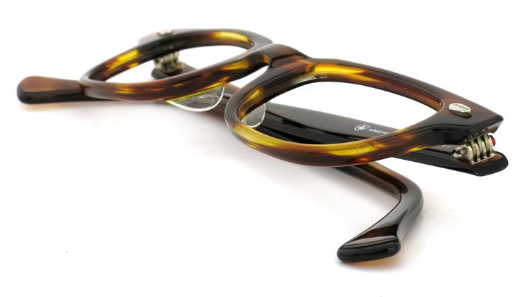American Optical アメリカンオプチカル (AO)Vintage ヴィンテージメガネ F523 MAINEVENT 変形ダイヤ鋲 AMBER 46-22 10