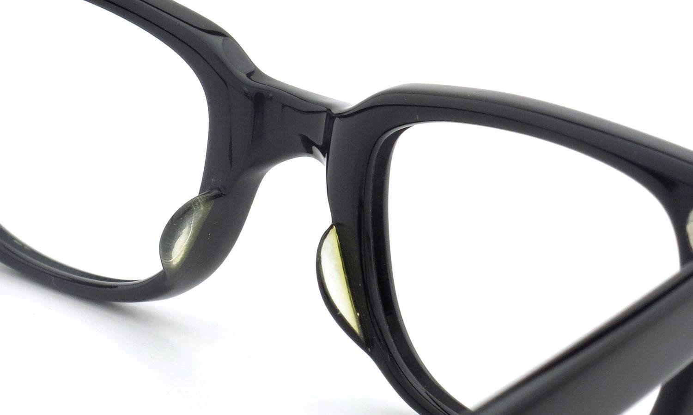 American Optical アメリカンオプティカル (AO)Vintage ヴィンテージメガネ F523 MAIN EVENT 変形ダイヤ鋲 BLACK 44-22 8